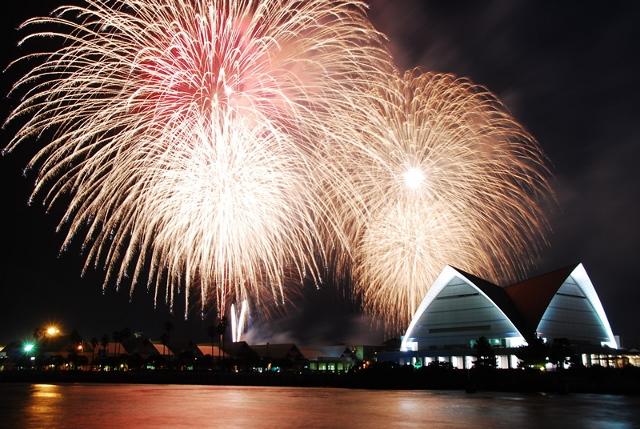 かごしま錦江湾サマーナイト大花火大会の洋上ビアガーデンのご予約は5月20日から受け付けます。
