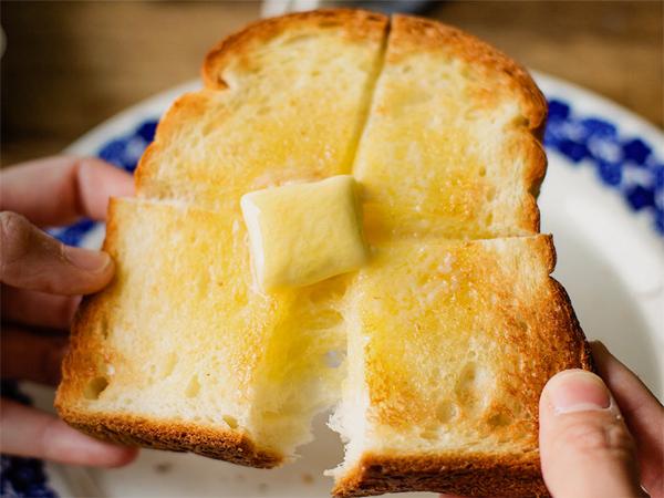 美味しい朝食に「バルミューダ ザ・トースター」が仲間入りしまし、ホテルユニオンの朝食がさらに美味しくなりました。