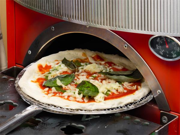 ピザが美味しいと評判のホテルユニオンの屋上ビアガーデンの旨い!ピッツア!をご紹介♪